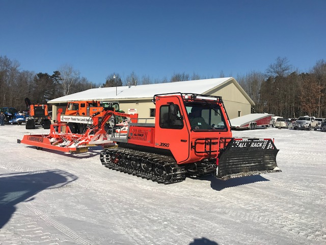 AT-20HD Tracked snow vehicle