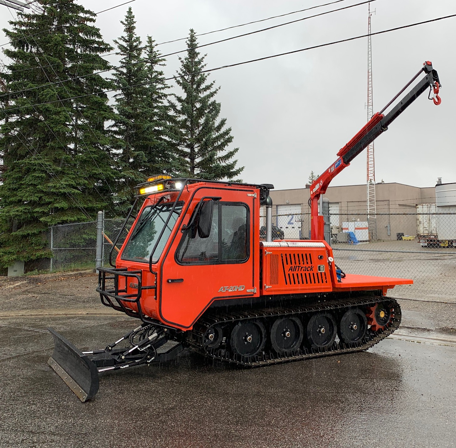 AT-20HD tracked vehicle with crane